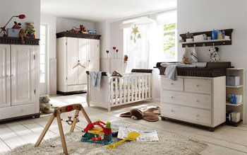 Kinderzimmer komplett aus massiver Kiefer gefertigt - weiss kolonial