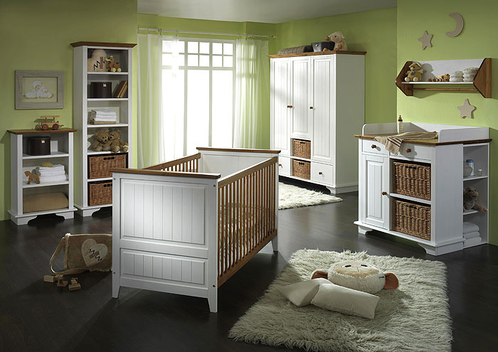 Babyzimmer Julia - Kiefer Massivholz - Oberfläche weiß gewachst und honig abgesetzt