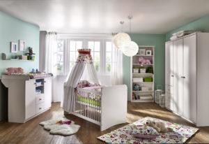 Babyzimmer Kiefer Massivholz weiß