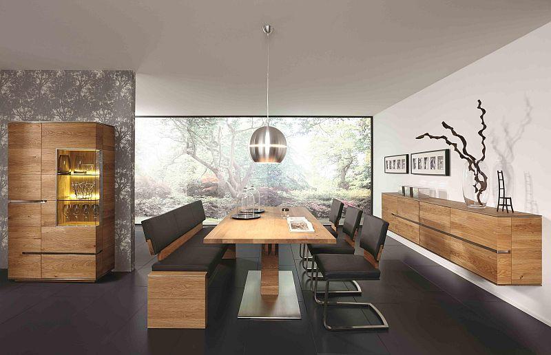 esszimmer mit saeulenesstisch aus wildeiche massivholz