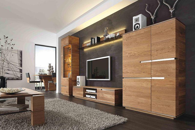 massivholzmoebel fuer wohnzimmer aus rustikaler asteiche gefertigt