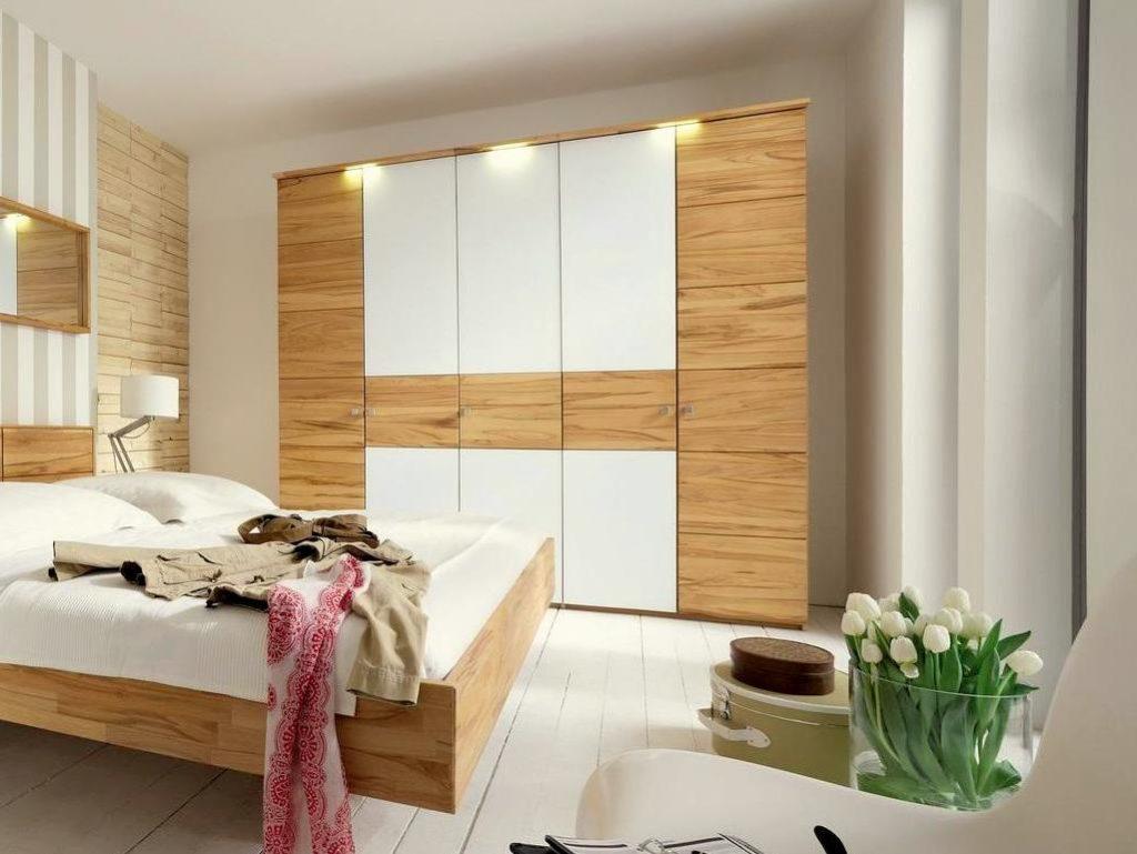 m&h schlafzimmerschrank mit 2 holztueren und 3 weißglastueren holz in kernbuche