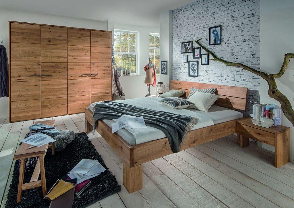 rustikale schlafzimmer aus wildeiche massivholz natuerlich geoelt