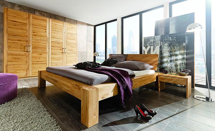 Balkenbett Massivholz Wildeiche - Holzbett Unikat - Bett aus Balken