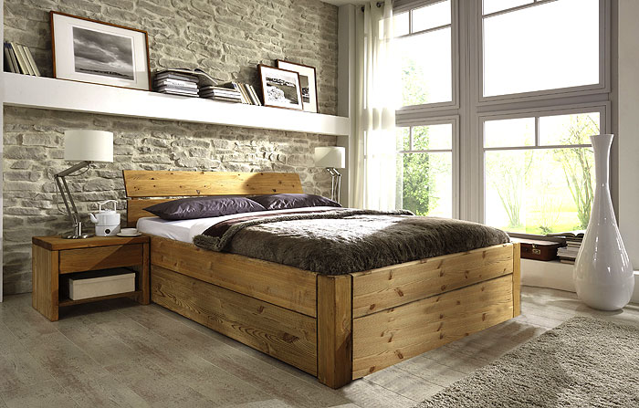 Stauraumbett - Kiefer massiv Holz - Oberfläche gelaugt und geölt - 140 x 200cm