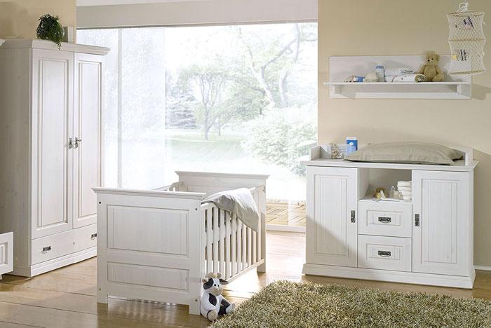 weißes babyzimmer aus holz von frankenmoebel