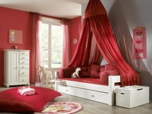 KInderzimmer weiß rot Kiefer